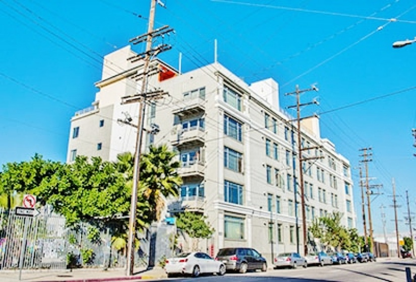 825 E 4th St, 1 Bedroom Bedrooms, ,1 BathroomBathrooms,Residential,For Sale, E 4th St,6013